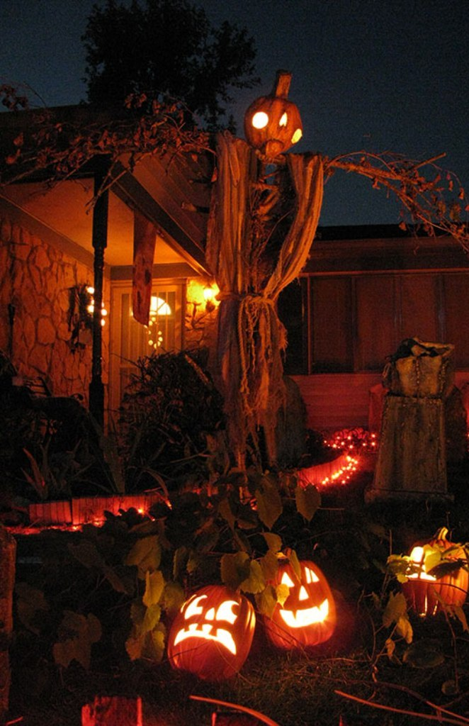 10 Outdoor Halloween Decorations Ideas Countertop Garden