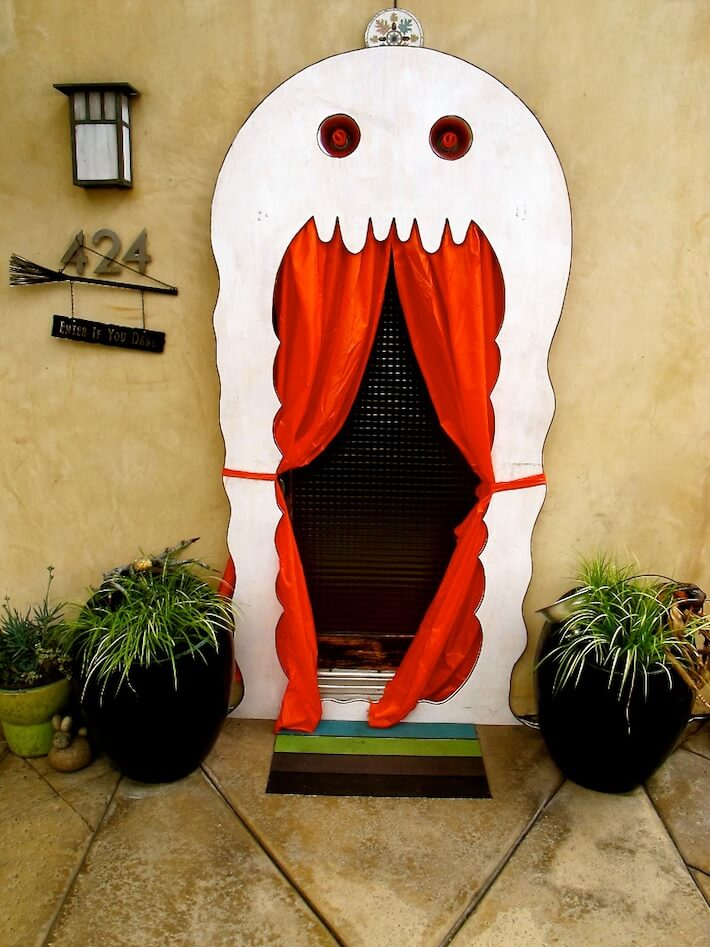 halloween-ghost-door-decoration-ideas