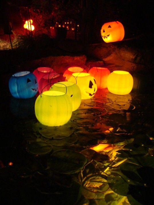 plastic-lighted-jacko-lanterns